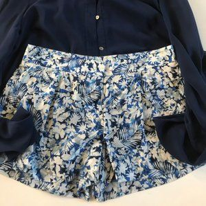 Theory Blue floral print shorts